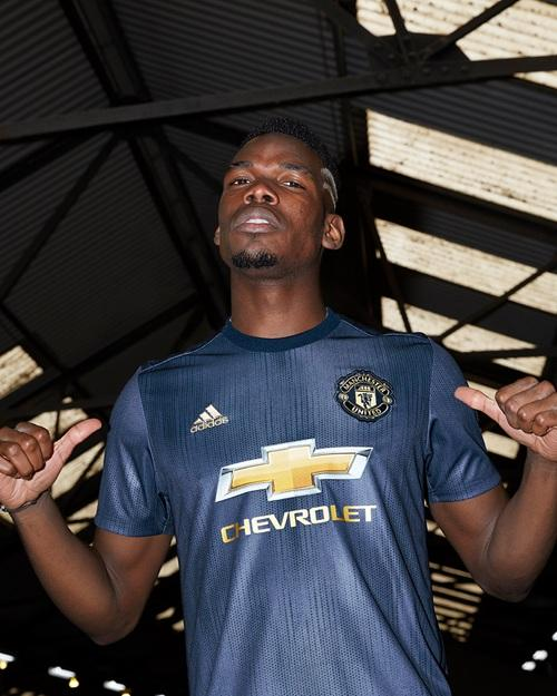 Manchester United 2019 maillot third foot Pogba