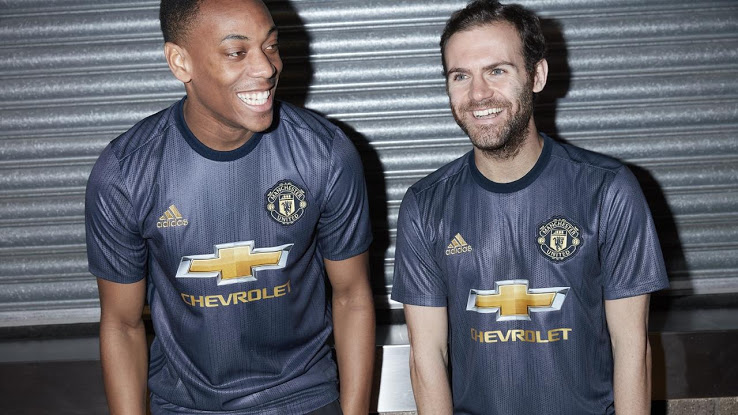 Manchester United 2019 maillot third football