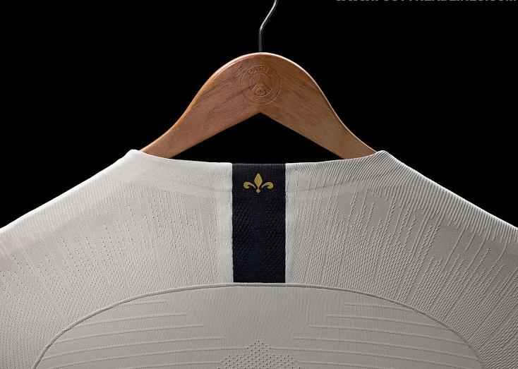PSG 2019 nouveau maillot extérieur foot détails col dos