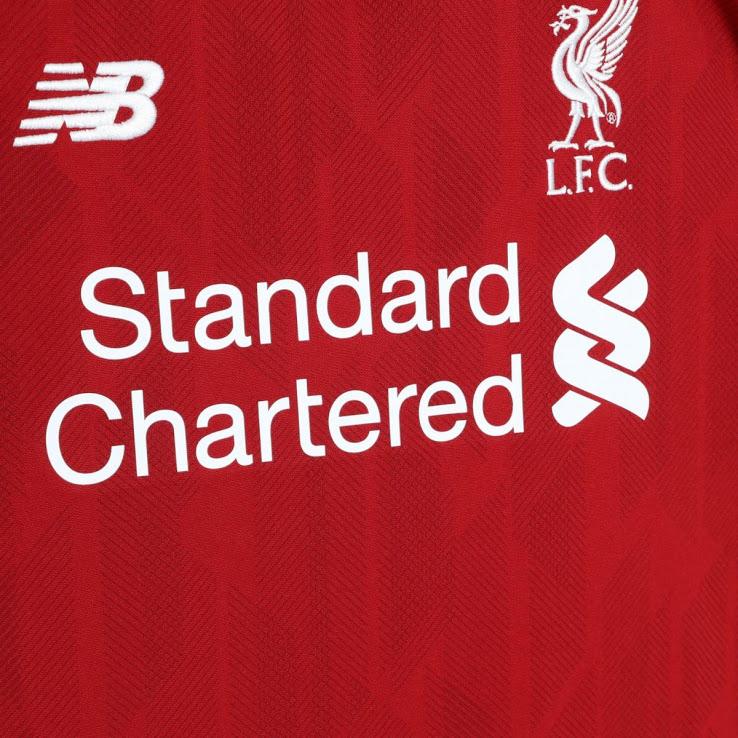 Liverpool 2019 maillot domicile face motifs
