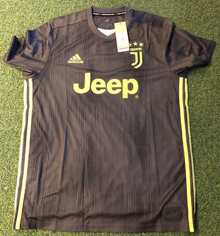 Juventus 2019 troisième maillot foot third 18 19