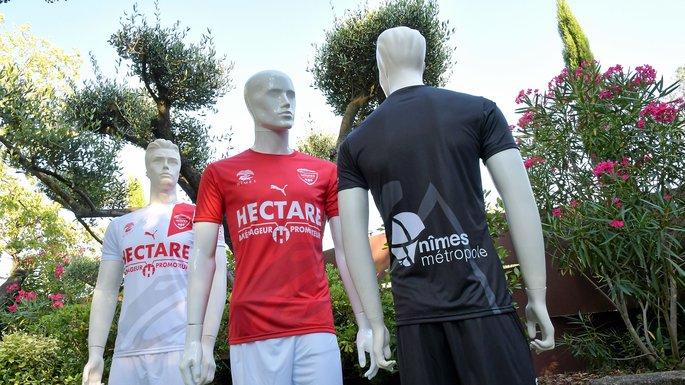 Nimes 2019 maillot de foot 2018 2019 Nimes Olympique