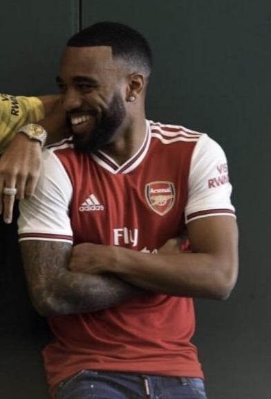 Arsenal 2020 nouveau maillot domicile Lacazette