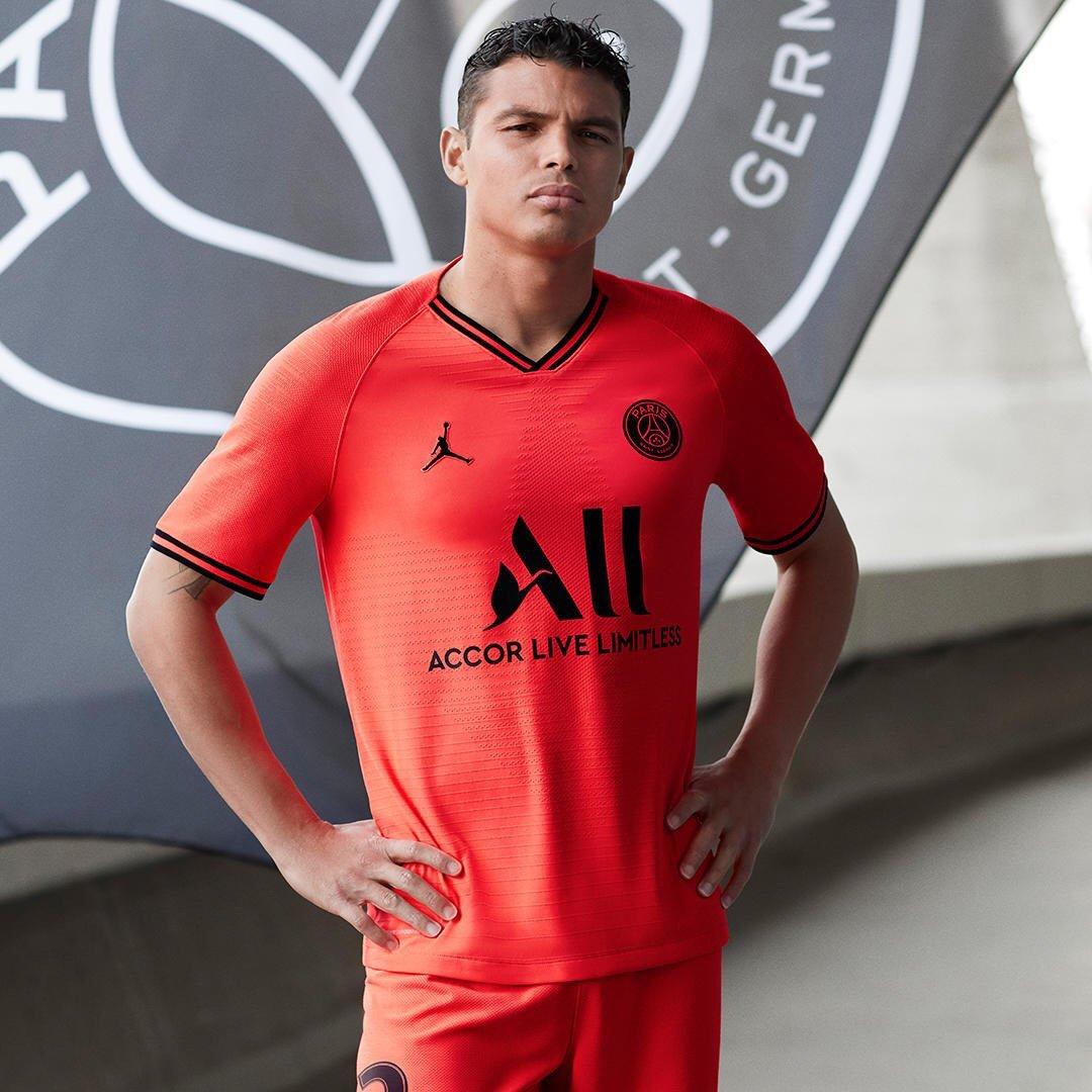 PSG 2020 nouveau maillot exterieur foot Paris Silva