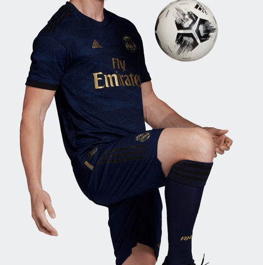 Real Madrid 2020 nouveau maillot exterieur football 19 20