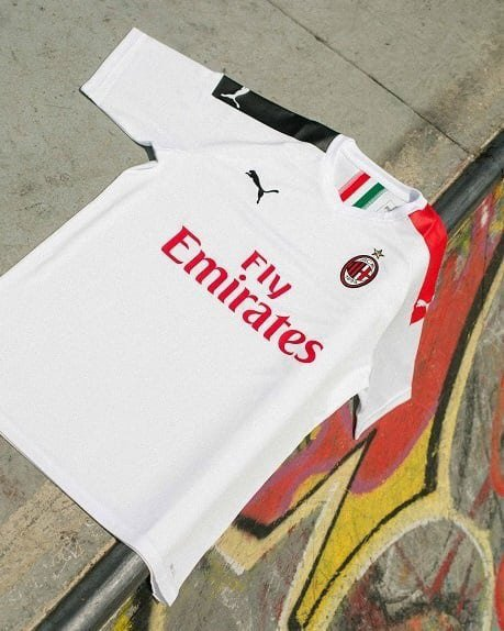 AC Milan 2020 maillot foot exterieur officiel
