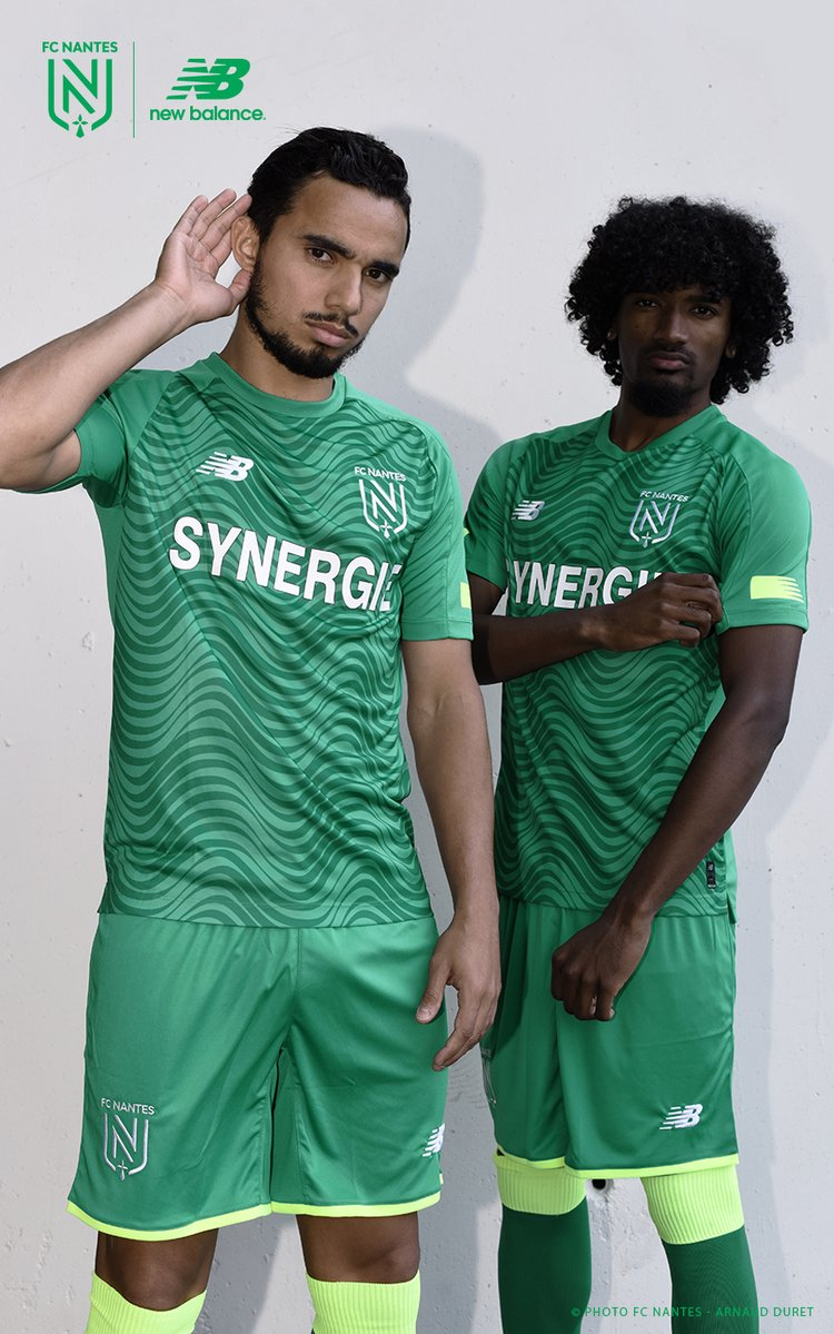 FC Nantes 2020 maillot foot exterieur vert