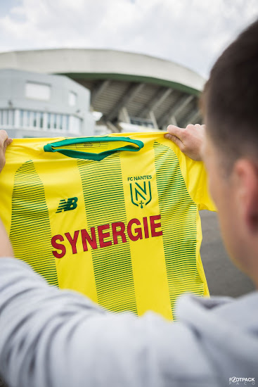 Nantes 2020 maillot domicile football 19 20