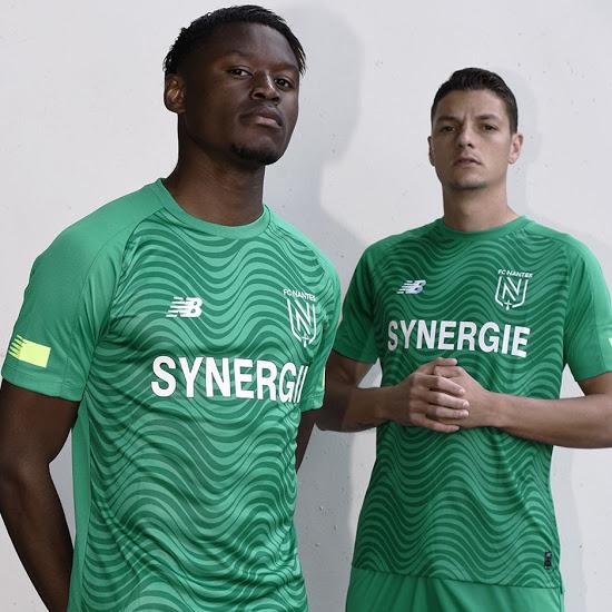 Nantes 2020 nouveau maillot exterieur football 19 20