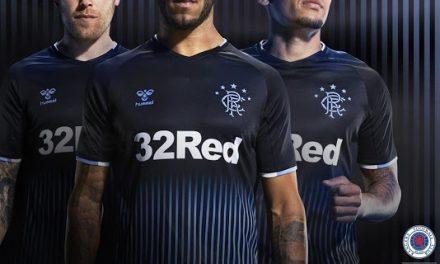 Maillots de foot des Rangers 2019-2020 par Hummel