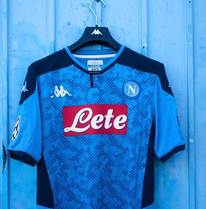 Naples 2020 quatrieme maillot foot ligue des champions