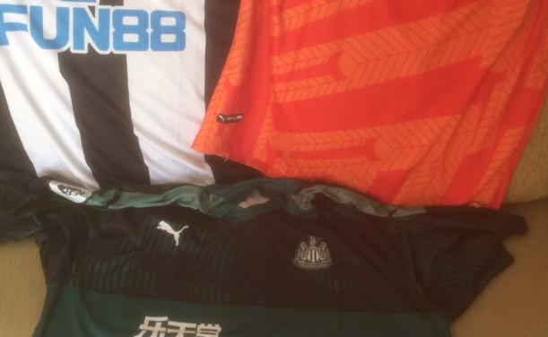 Les nouveaux maillots de football Newcastle 2019/2020