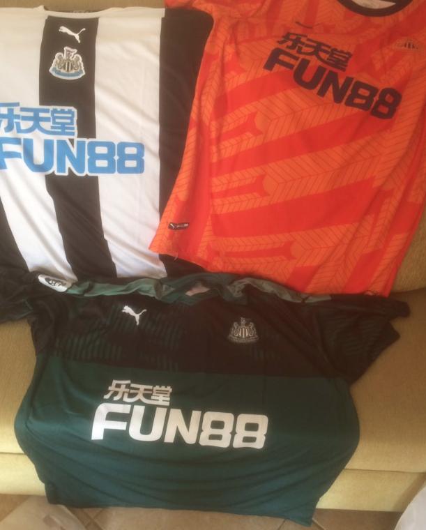 Newcastle 2020 les nouveaux maillots de football 19 20 Puma
