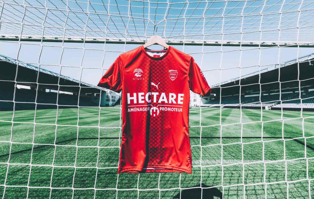 Nimes 2020 maillot domicile football
