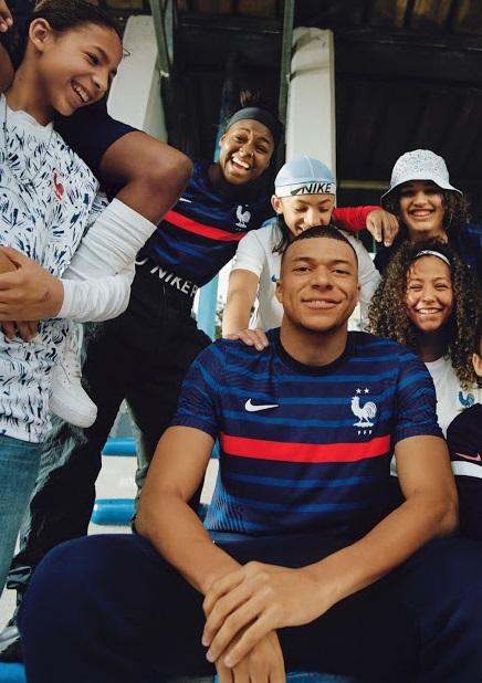 France Euro 2020 maillot domicile Mbappe