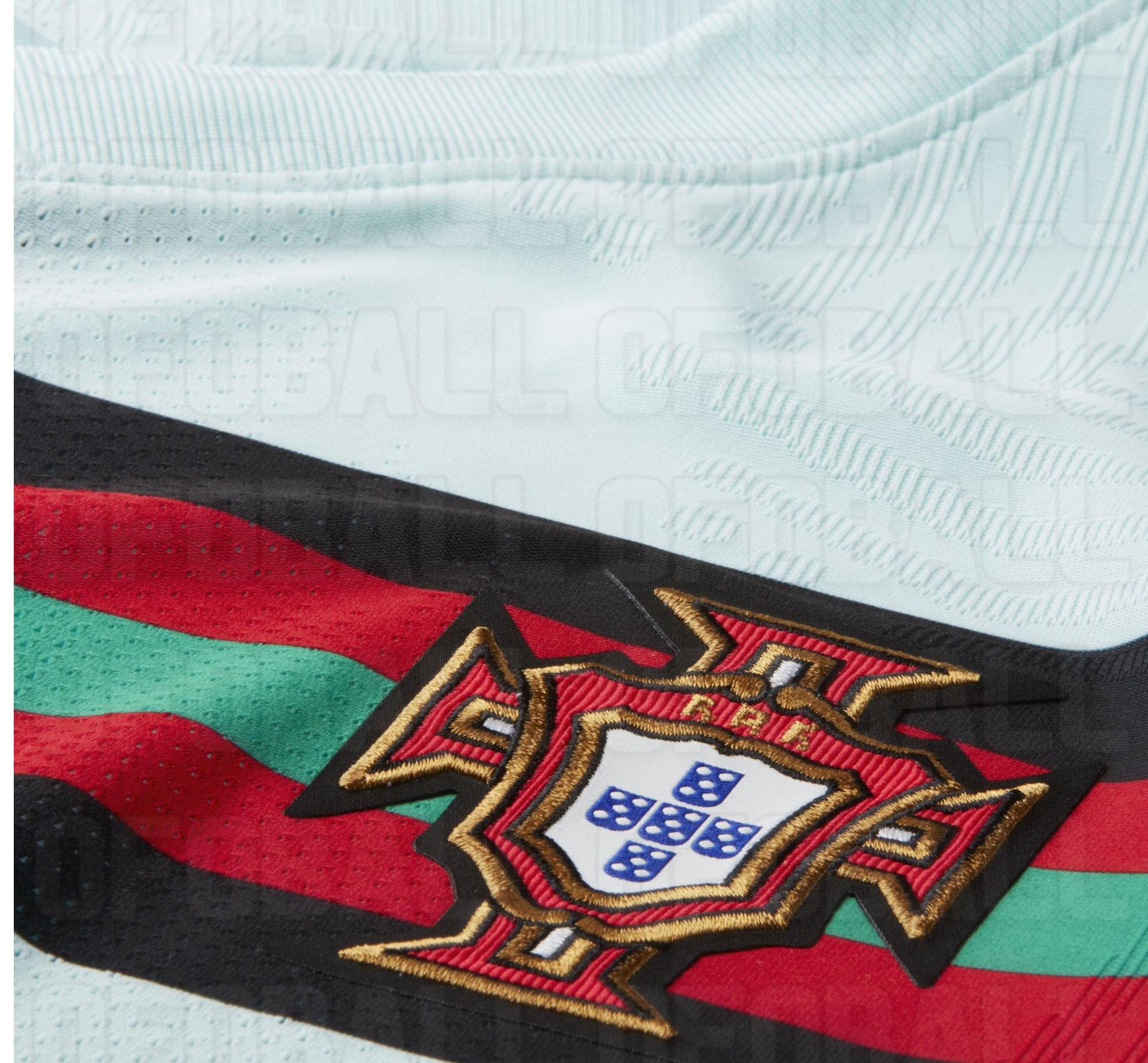 Portugal maillot exterieur foot Euro 2020 details blason