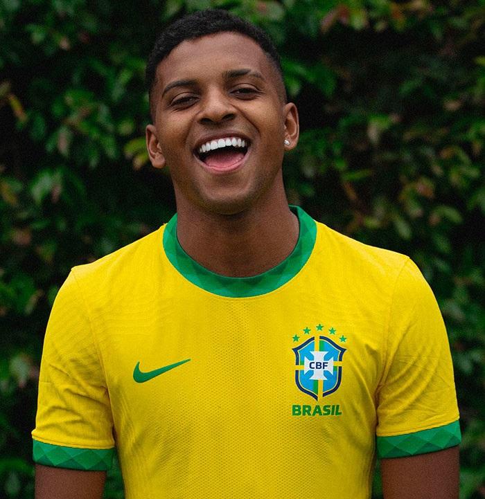 Bresil 2020 nouveau maillot de football domicile Nike