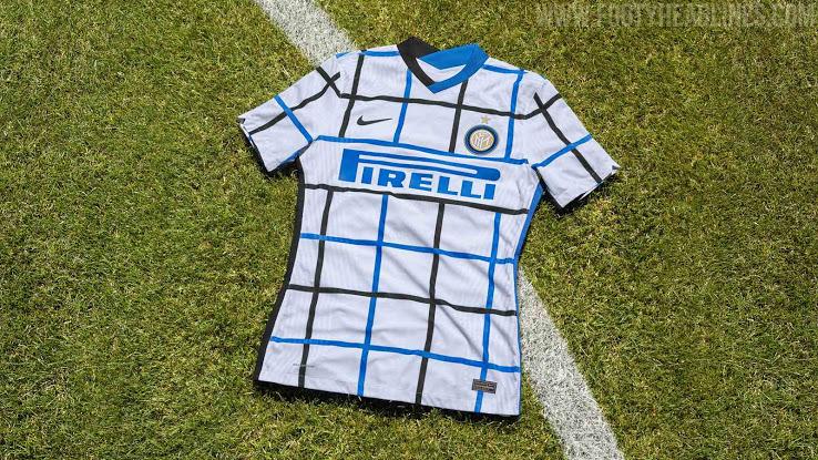 Inter Milan 2021 nouveau maillot de football