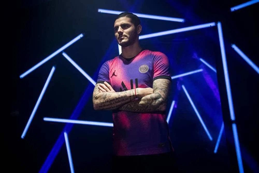 PSG Paris 2020 2021 maillot rose et violet