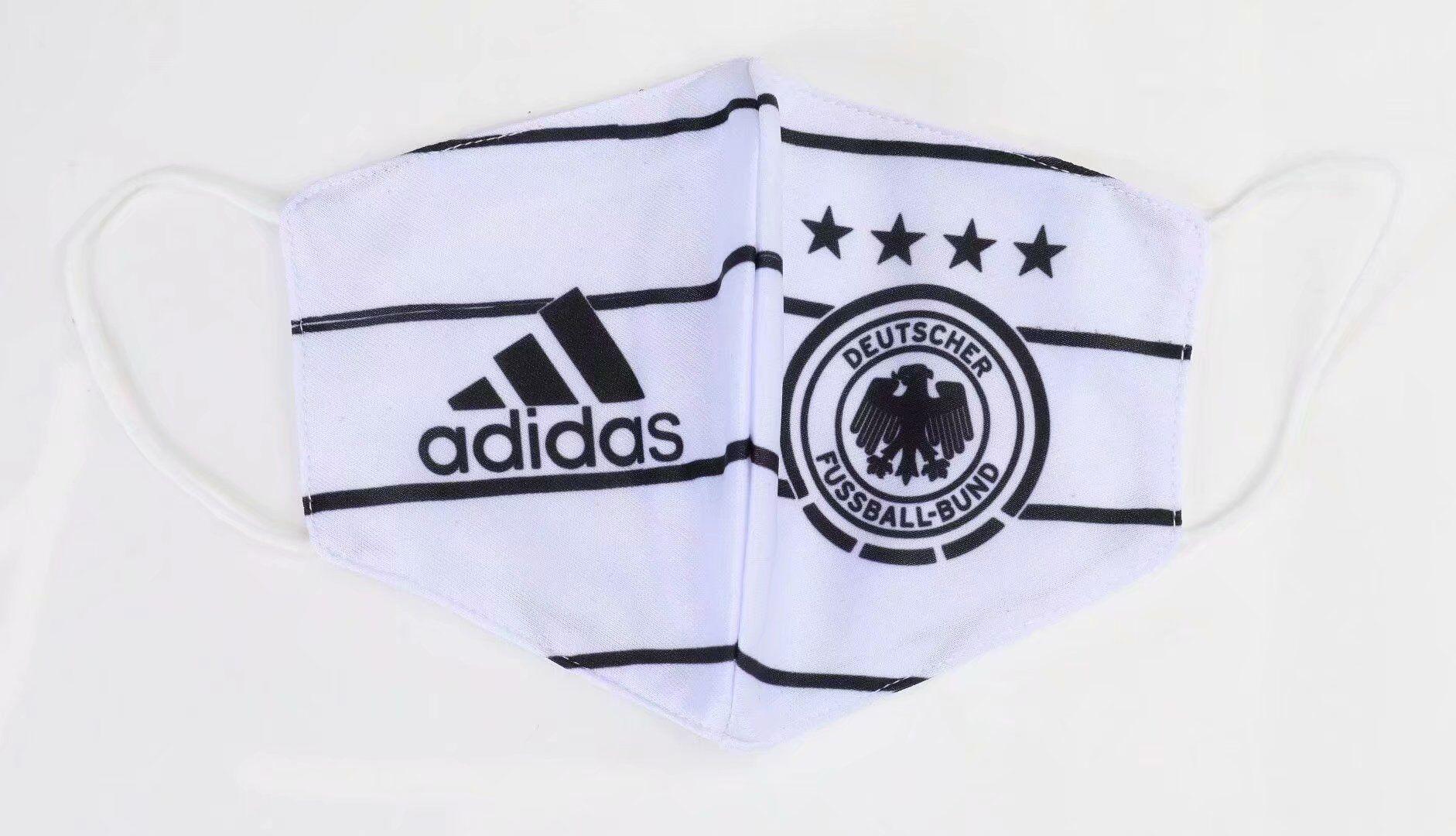 masque Coronavirus football Allemagne