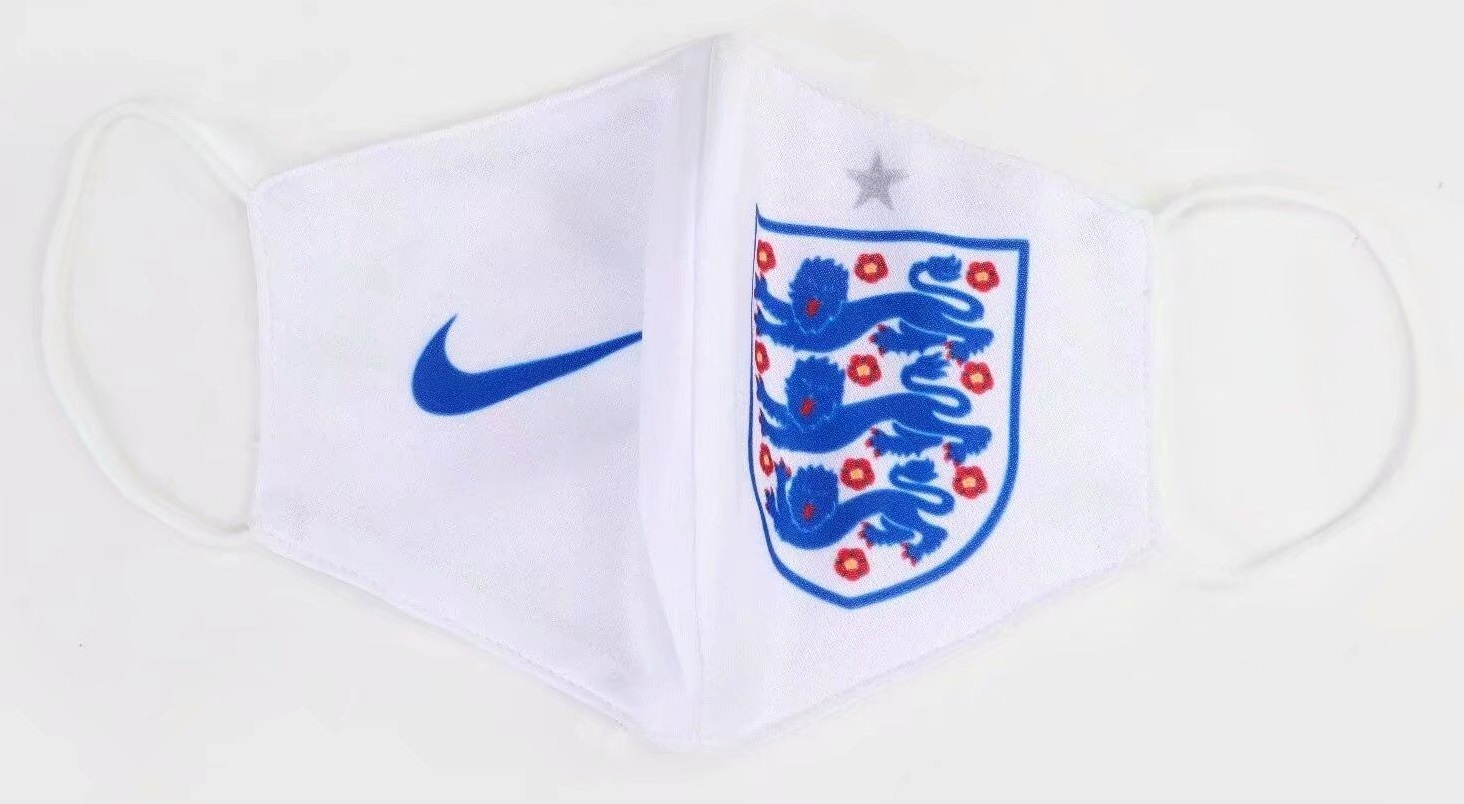 masque Coronavirus football Angleterre