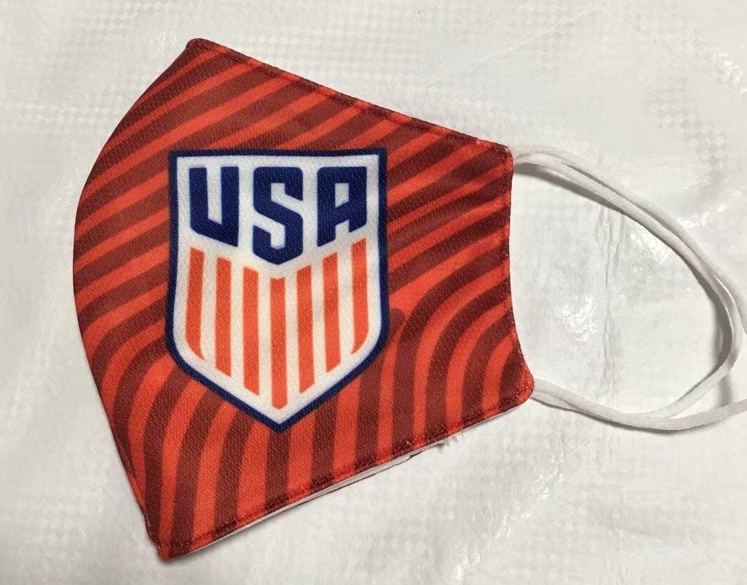 masque Coronavirus football USA