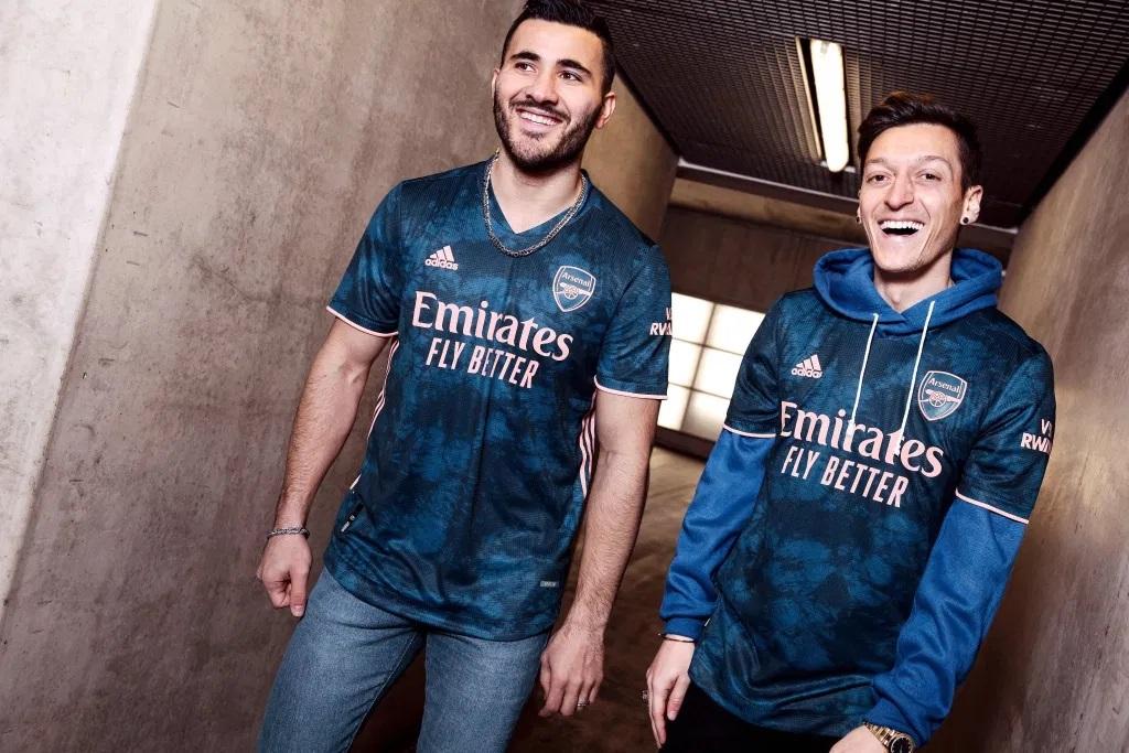 Arsenal 2021 maillot third Adidas