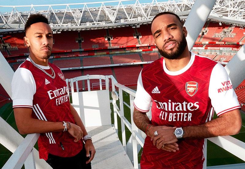 Arsenal 2021 nouveau maillot de foot domicile