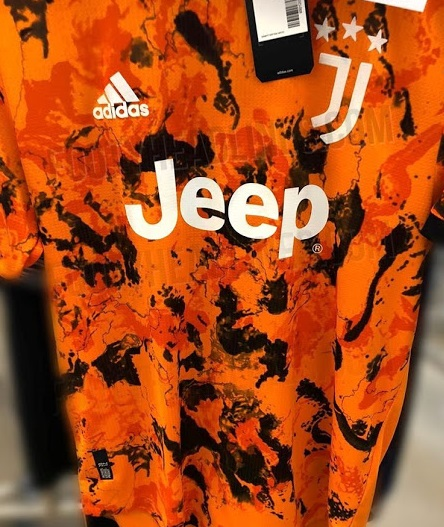 Juventus 2021 troisieme maillot third foot