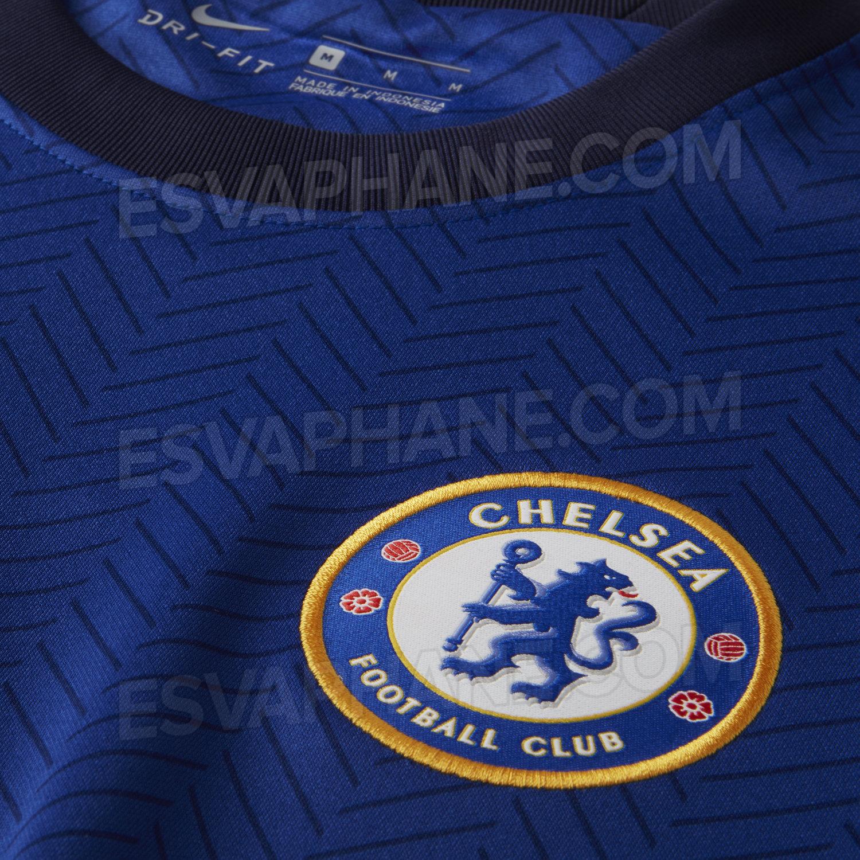 Chelsea 2021 détails blason maillot domicile foot