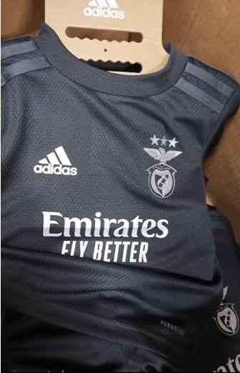 Benfica 2021 nouveau maillot exterieur