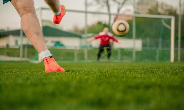 Session de tirs au but chez Betway : 10 footballeurs s'affrontent