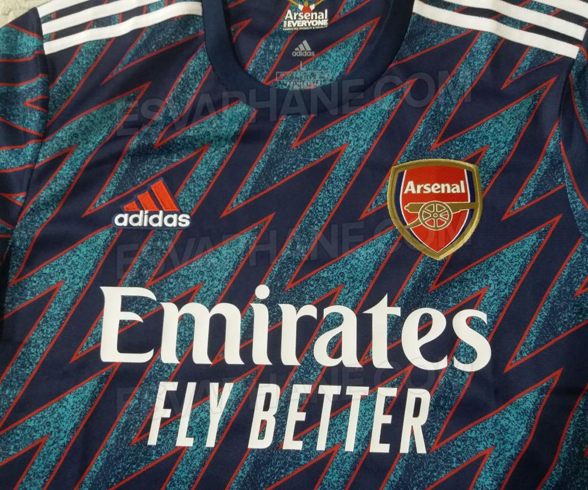 Arsenal 2022 nouveau maillot de foot third 21 22 Adidas