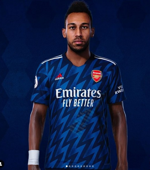 Arsenal 2022 troisieme maillot third 21 22 Aubameyang