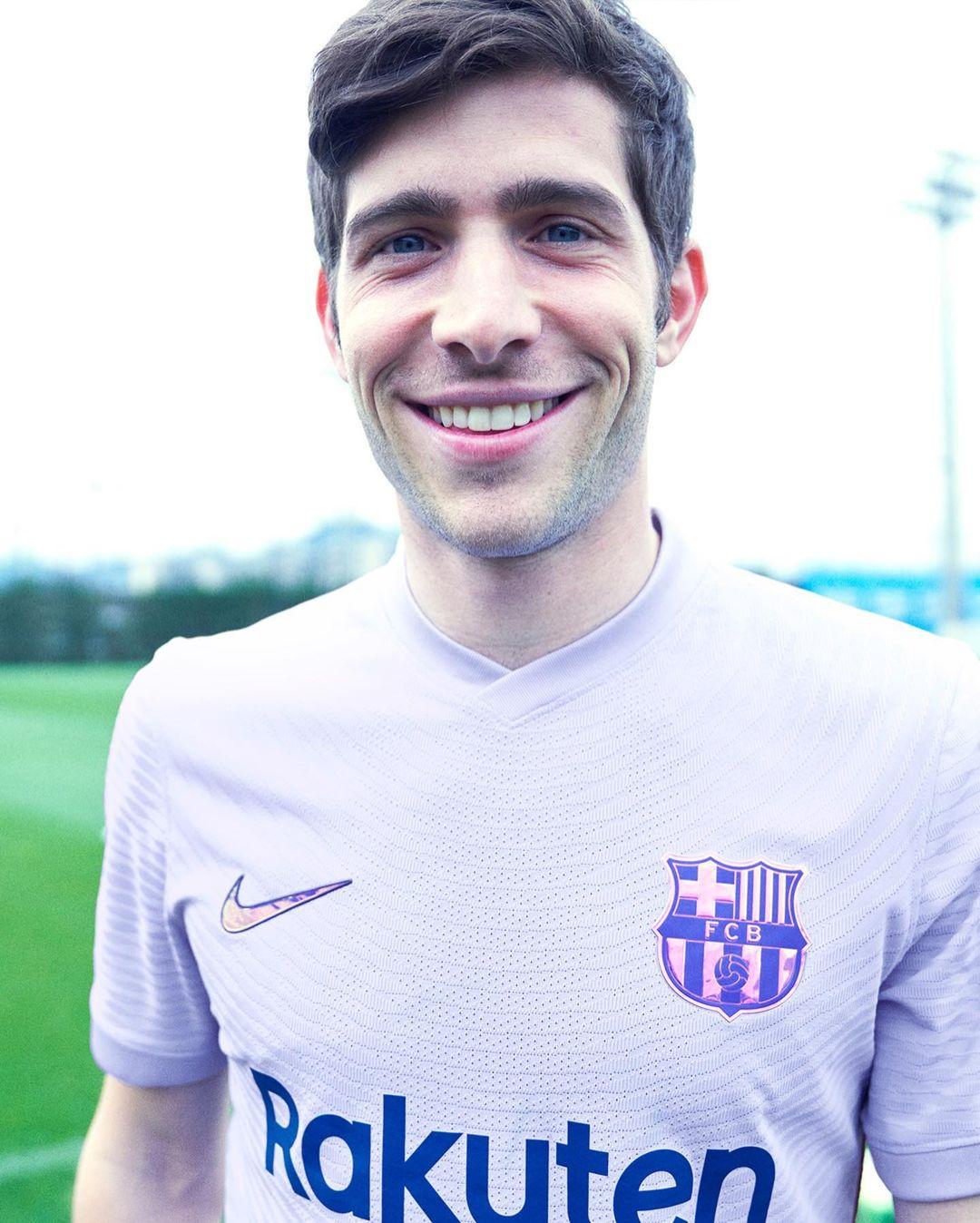 FC Barcelone 2022 maillot exterieur foot violet