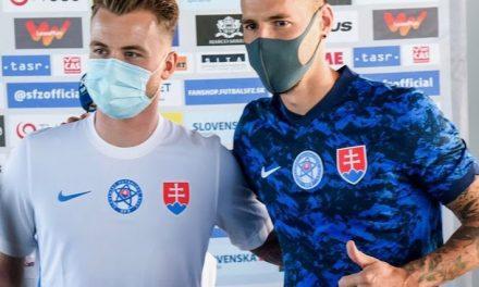 Les maillots de football de la Slovaquie Euro 2020