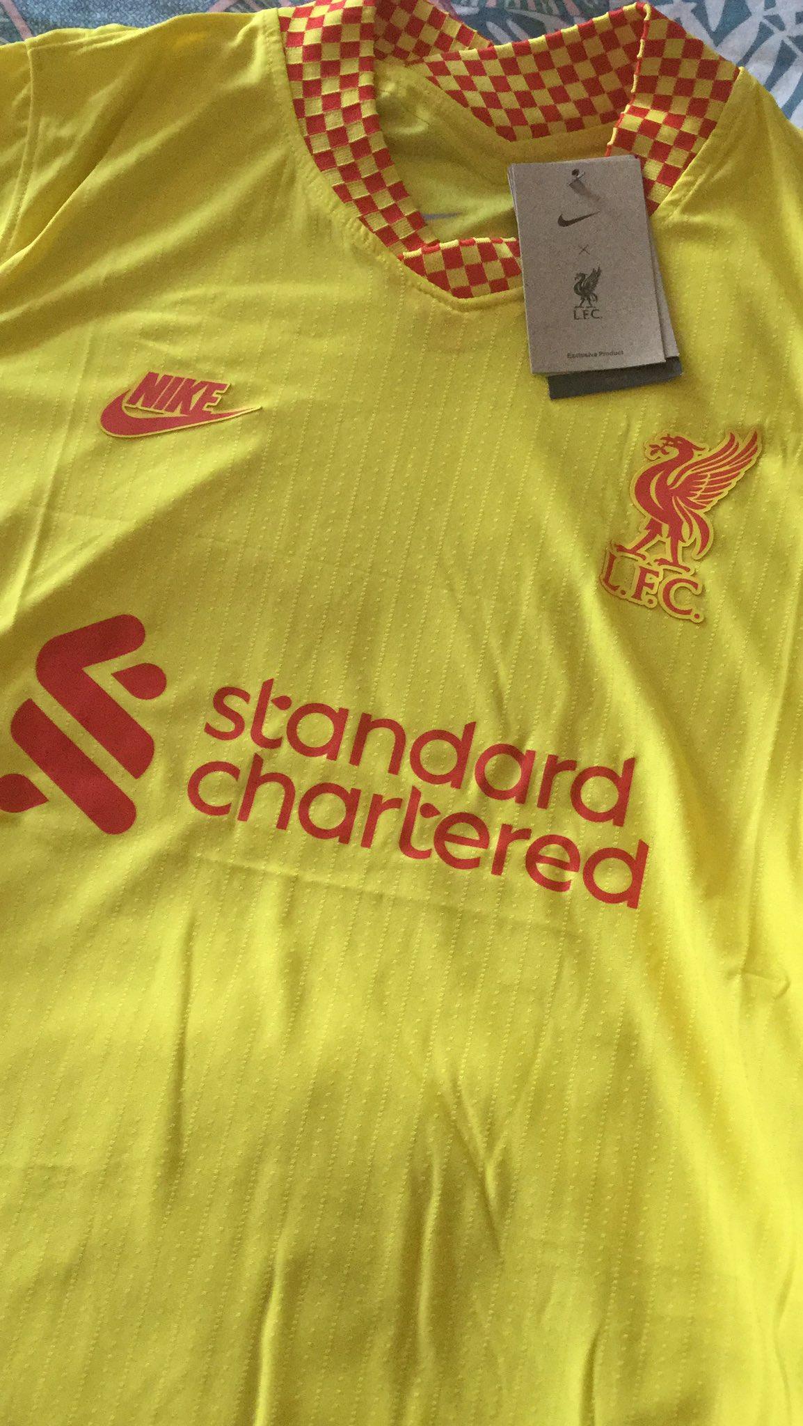Liverpool 2022 3eme maillot de foot third