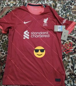 Liverpool 2022 maillot domicile football