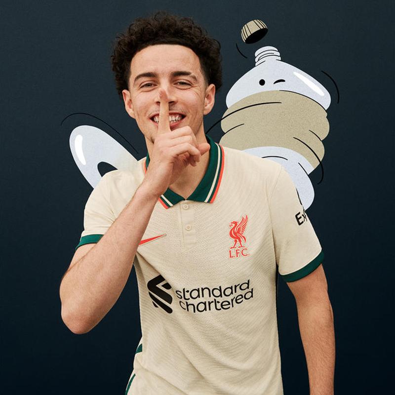 Liverpool 2022 maillot exterieur foot 1