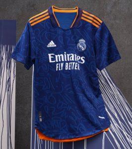 Real Madrid 2022 maillot de foot exterieur Adidas