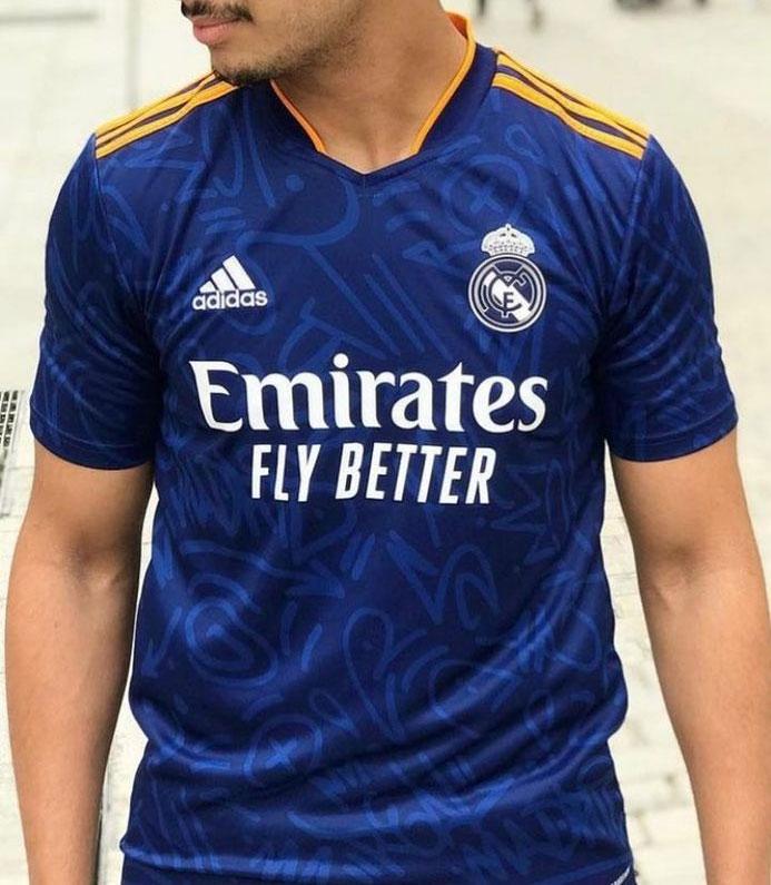 Real Madrid 2022 nouveau maillot exterieur