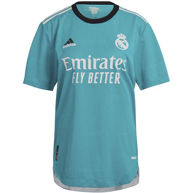 Real Madrid 2022 nouveau maillot third foot