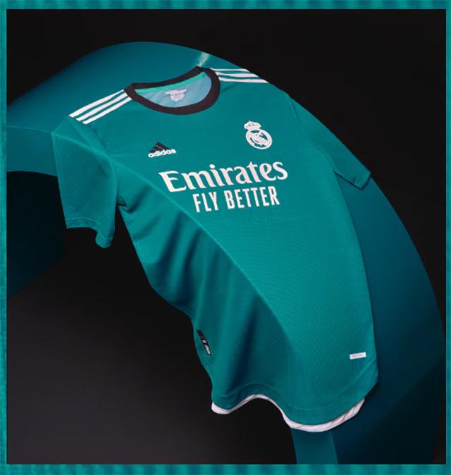 Real Madrid 2022 nouveau troisieme maillot third foot