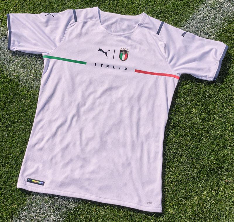 Italie 2021 nouveau maillot exterieur