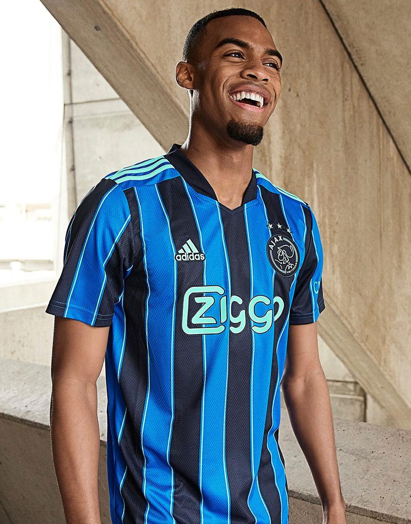 AJAX Amsterdam 2022 nouveau maillot de foot exterieur officiel