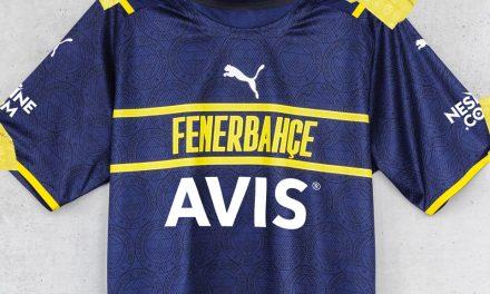 Les nouveaux maillots de foot Fenerbahce 2022 passent chez Puma