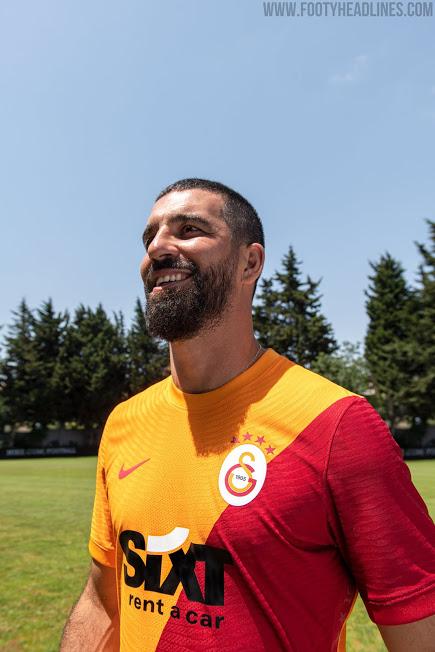 Galatasaray 2022 nouveau maillot domicile officiel