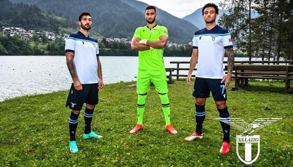 Lazio 2022 nouveau maillot exterieur officiel.jpg