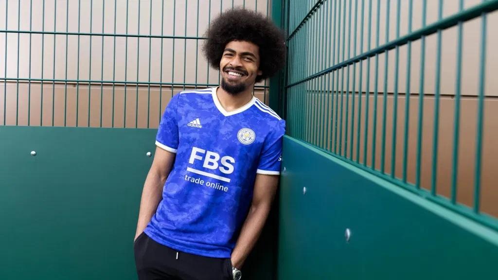 Leicester 2022 nouveau maillot domicile football