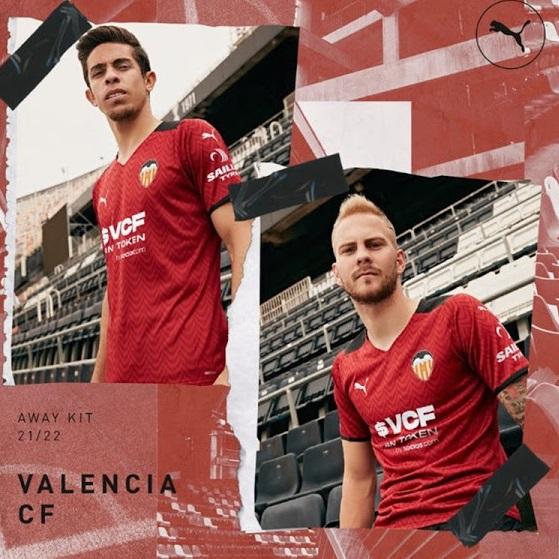 Valencia 2022 nouveau maillot exterieur football